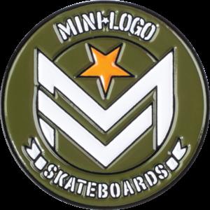 MINI LOGO CHEVRON LAPEL PIN ARMY/WHT